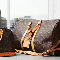 Louis Vuitton monogrammed fashion casual ladies large capacity handbag with one shoulder crossbody bag
