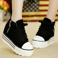 Platform Shoes With Zipper and Canvas Design