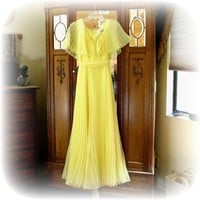 Mollie Parnis Boutique Vintage Long Flowing Yellow  Dress - Size 8-10