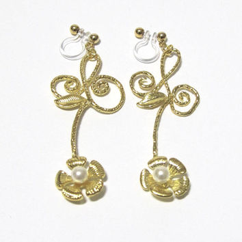 Flower Stem clip on earring |35G| Pearl Floral earring wedding clip on earring non pierced dangle earring drop earring gold bridal earring