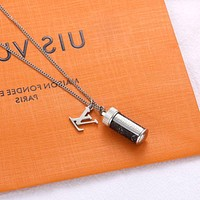LV Louis Vuitton Fashion New Letter Women Men Personality Necklace Accessories Silvery