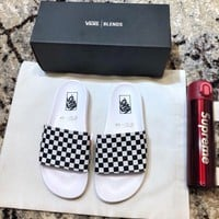VANS  Fashionable casual slippers