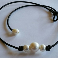 High Quality Freshwater 3 Pearls Leather Choker Necklace