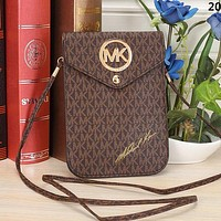 Michael Kors MK Hot Sale Classic Full Letter Retro Envelope Bag Shoulder Bag Messenger Bag Cosmetic Bag