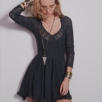 Intimately Womens Look Both Ways Lace Slip
