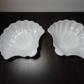 Vintage Milk Glass Sea Shell/Clam Shaped Dishes Set of 2 - Nautical, Beach, or Shabby Chic
