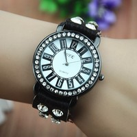MagicPiece Handmade Vintage Style Leather Watch For Women Round Rhinestone Dial Watch in 4 Colors: Black