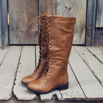 Noble Pine Lace-up Boots