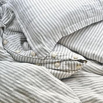 "Natural stonewashed linen duvet cover ""Stripes and Buttons"", available in King and Queen sizes"