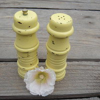 Butter Yellow Salt Shaker & Pepper Grinder - Wooden - Chalk Paint - Shabby Chic - Upcycled
