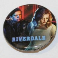 """Licensed cool CW RIVERDALE High Jughead Betty Kiss 1 1/4"""" Button Pin Back Pinback Licensed"""