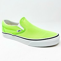 Vans Classic Slip On (Neon) Green Gecko True White Womens Casual Shoes