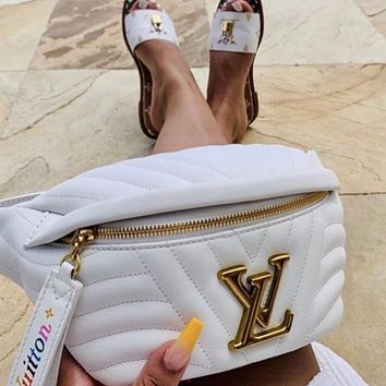 LV Louis Vuitton classic gold buckle letters men and women messenger bag waist bag