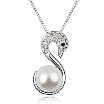 White Swan Pearl Bead Necklace