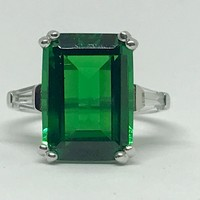 A Perfect Classic 8.5CT Green Emerald Cut Russian Lab Emerald Ring
