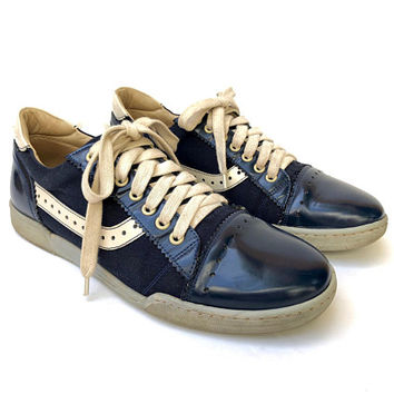 MARC JACOBS!!! Super smart 'Marc Jacobs' men's two tone, drill and leather retro style trainers with contrast cream laces and trims