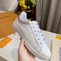 LV new embossed letters women's solid color white shoes sports board shoes