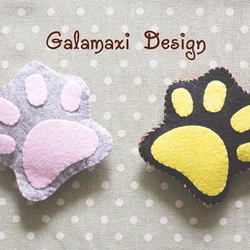 Handmade Felt Cat's Paw Earphone Cord Organizer Felt Cable Keeper Cat's Paw Shaped Cable Holder