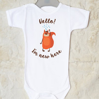 Hello I'm New Here Baby Shirt. Funny Beaver Print Baby Romper. Infant Baby Clothes.  Birth Announcement. Available With or Without Text.
