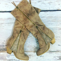 SWEET STEPPIN' BOOTS TAUPE
