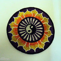 NOVELTY PEACE TAOISM SEW/IRON ON PATCH:- YING YANG TAOISM YELLOW LOTUS FLOWERS