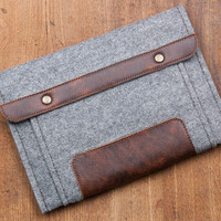 ipad mini case. Gray felt case with 2 pockets. Ipad mini sleeve cover bag. Ipad air case sleeve. Ipad 1 2 3 4 pouch. ipad mini retina
