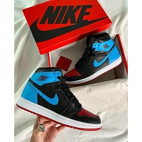 NIKE Air Jordan 1 Retro High Chicago Sneaker