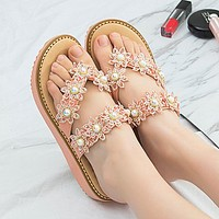 Fashionable new beach sandals gold - edged women's flip-flops gorgeous rhinestone flowers flat and plus-size women's flip-flops