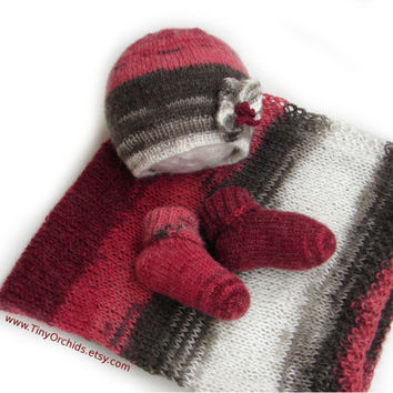 Baby girl shower gift set, burgundy red gray and white baby blanket in soft mohair and acrylic, hat and socks