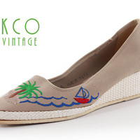 Wedge Platform Shoes 80's Vintage Embroidered Novelty Palm and Sailboat Women's Size 8 / Beige Green Blue Nautical Retro Summer UK 6 / EUR38