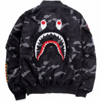 Bape autumn and winter new camouflage cardigan zipper baseball pad black