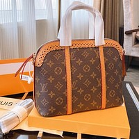 LV new product portable shell bag shoulder bag messenger bag lace edge brown