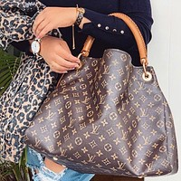 Louis Vuitton LV Artsy Monogram Canvas Handbags Bag Shoulder Bag