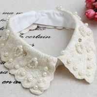 Free Shipping Women Detachable Collars Beige Color Fake Collar Shirt with Pearls Ladies Lace False Collar Clothing Accessories