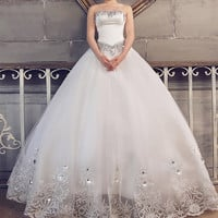 Elegant Sweetheart Neck Rhinestoned and Embroidery Design Women's Lace Up Wedding Dress