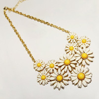 Gold Daisy Pendant Necklace