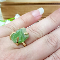 Raw Peridot Ring, Peridot Birthstone Ring, Stackable Ring, Solitaire Ring, Gift For Her, Boho Chic, Birthstone Jewelry, Green Peridot