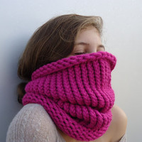 Fuchsia Cowl scarf, infinity scarf, hand knitted neckwarmer, scarf necklace, gift for winter.