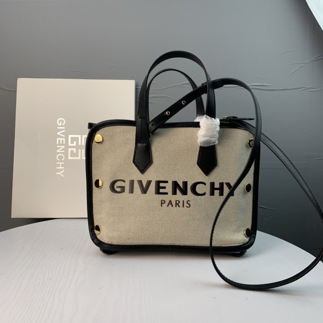 Image of Givenchy 2021 Women's Leather Shoulder Bag Satchel Tote Bags Crossbody21*32*14cm 0424cx