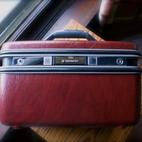 Vintage Luggage Samsonite Train Case Silhouette Toiletry or Make Up Overnight Tote Brick Red