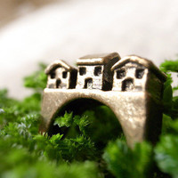 Little Houses Ring (Silver) by VanillaSoil