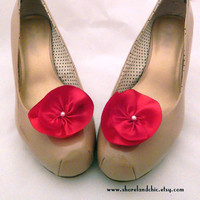 Red flower shoe clips, red bridal shoe accessories, red silk flower shoe clips, flower girl gift, red bridesmaid accessory, red wedding