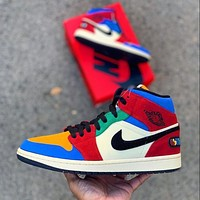 Hipgirls Air Jordan 1 Retro High OG Men's and Women's Casual Sports Basketball Shoes Board Shoes Colorblock