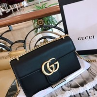 Gucci Double G retro Chain Handbag