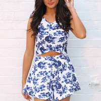 Floral Rose Print Shaped Crop Top & High Waisted Tailored Shorts Co-ord Set in Blue & White