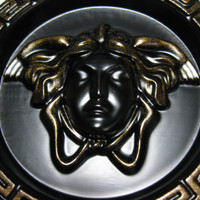 Black wooden deco tray and bronze Versace Medusa Gorgon greek head big decoration ashtray with key pattern round tray 6 inches