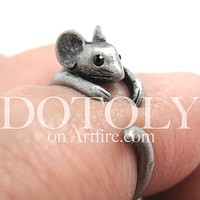 Mouse Animal Wrap Around Ring in Silver - Sizes 4 to 9 Available