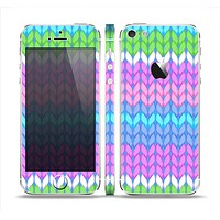The Bright-Colored Knit Pattern Skin Set for the Apple iPhone 5