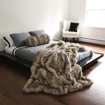 Kitt Fox Faux Fur Throw Blanket