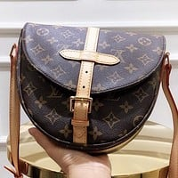 LV New fashion monogram leather shopping leisure shoulder bag crossbody bag